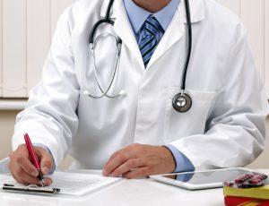 Куда и как жаловаться на врачей?