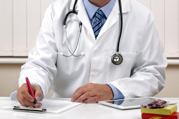 Куда жаловаться на врачей