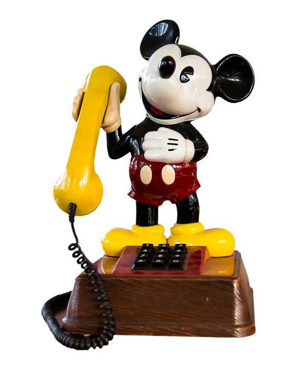 Подлежит ли возврату или обмен телефона